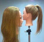Голова - манекен со светлыми волосами
